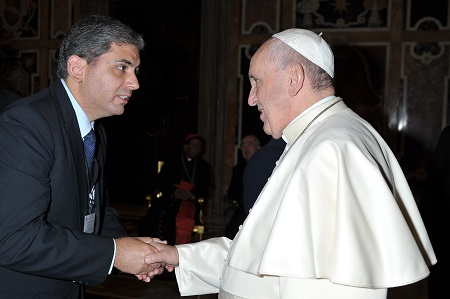Alexandre Borges de Magalhães, SCV. General Coordinator of the Christian Life Movement greeting the Pope Francis