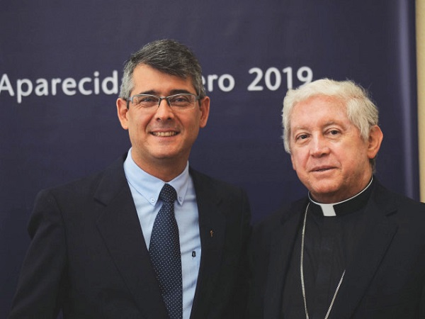 Jose David Correa new Superior General with Monsignor Londoño Commissary Apostolic - Sodalitium News (1)