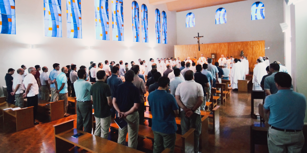 Members of the Sodalitium during Holy Mass in preparation for the V General Assembly - Sodalitium News